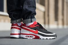 """Nike's Air Max BW Gets the """"Bred"""" Treatment: And lightweight Ultra construction to boot. Air Max Bw Ultra, Air Max Classic, New Sneakers, Air Max Sneakers, Custom Sneakers, Nike Free Shoes, Nike Shoes, Mens Fashion Shoes, Men's Fashion"""