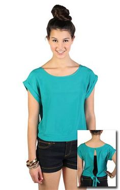 flowy cropped tee with split back and bow detail........ love it !