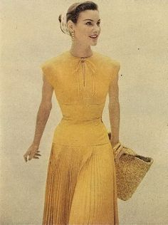 A lovely butter yellow summer dress from 1954. #vintage #1950s #fashion