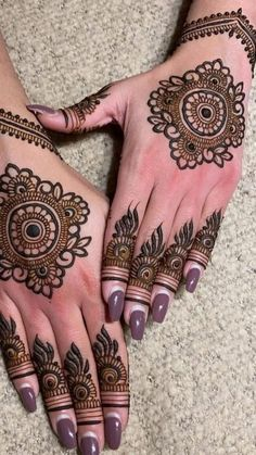 Circle Mehndi Designs, Finger Mehendi Designs, Mehndi Designs Front Hand, Pretty Henna Designs, Indian Henna Designs, Latest Arabic Mehndi Designs, Mehndi Designs For Girls, Unique Mehndi Designs, Mehndi Designs For Fingers