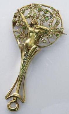 Brooch; Van Strydonck (Leopold), Art Nouveau, 20K Gold Filigree & Female Figure, Diamonds & Demantoid Garnets, 3 inch.