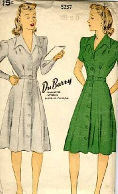That famous tailored 1940′s look, this time with the wide, pointed collar that was also seen on men's shirts in the 1940s and early 1950s.