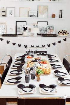 Sharing my DIY Modern Mickey Mouse First Birthday Party for my baby. Sharing modern black and white party theme inspiration for a kids party. Disneyland Birthday, Mickey Mouse First Birthday, Girl First Birthday, Baby Birthday, First Birthday Parties, First Birthdays, Birthday Ideas, Mickey Mouse Table, Theme Mickey