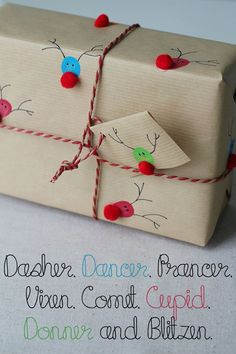 Turn your (or your kiddo's) fingerprints into holly jolly reindeer gift wrap! Turn your (or your kiddo's) fingerprints into holly jolly re. Creative Gift Wrapping, Creative Gifts, Cool Gifts, Diy Gifts, Diy Wrapping Paper, Wrapping Presents, Wrapping Papers, Wrap Gifts, Christmas Presents