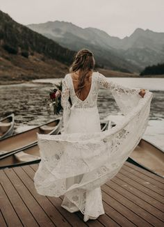 Find all of the boho adventure wedding inspiration you need with this Rocky Mountain elopement inspiration session in Vail, Colorado! Fairy Wedding Dress, Bohemian Wedding Dresses, Wedding Dresses Plus Size, Boho Bride, Backless Wedding, Grace Loves Lace, Elopement Inspiration, Trendy Wedding, Bridal Gowns