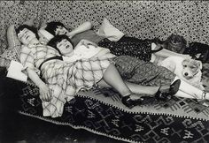 brassai Kiki de Montparnasse et ses amies Thérèze Treize et Lily, Paris 1932