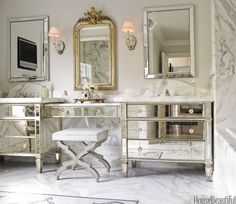 10 Ways To Decorate With Mirrors Decorating Bathroomsdecorating