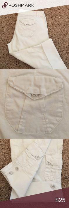 BKE Capri Jeans BKE Capri Jeans. Size 27. BKE Pants Capris