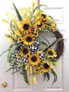 by JansElegantWreaths on Etsy Sunflower Wreath. by JansElegantWreaths on Etsy Owl Wreaths, Sunflower Wreaths, Autumn Wreaths, Easter Wreaths, Wreaths For Front Door, Spring Wreaths, Mesh Wreaths, Diy Wreath, Grapevine Wreath