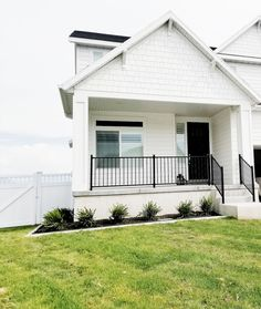 Exterior in Sherwin Williams Pure White - Top Three White Paint Colors - White Lane Decor Farmhouse Exterior Colors, White Exterior Paint, White Exterior Houses, Exterior Paint Colors For House, Cottage Exterior, Paint Colors For Home, Cafe Exterior, Colonial Exterior, Ranch Exterior