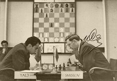Tal vs Smyslov Art Through The Ages, Chess Players, Chess Pieces, All Games, Psychiatry, Cool Photos, Champion, Masters, 1975