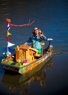 Muziekboot Notendop. Only in Amsterdam.