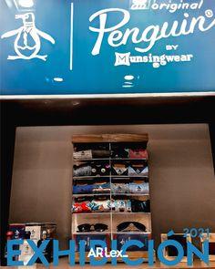 spareparts display de la marca Penguin. Visual Merchandising, Broadway Shows, Display, Floor Space, Billboard
