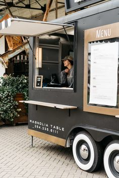 ✔ Diy Food Truck Foodtruck - One pot rezepte Food Truck Business, Food Truck Design, Food Design, Design Ideas, Joanna Gaines, Food Trucks, Food Gifts For Men, Foodtrucks Ideas, Food Truck Interior