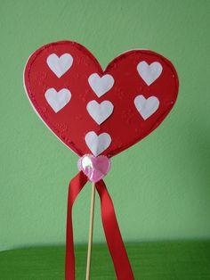 SRDÍČKO Z LÁSKY PRO MAMINKU Shape Crafts, Heart Shapes, Saint Valentine, Ladies Day, Valentines, School, Cognitive Activities, Mother's Day, Creative