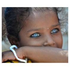 The world's most beautiful eyes come in many different colors on many different skin tones. See the most gorgeous eyes that'll make your jaw drop. Beautiful Eyes Color, Stunning Eyes, Pretty Eyes, Cool Eyes, Amazing Eyes, Beautiful Children, Beautiful Babies, Most Beautiful People, Different Skin Tones