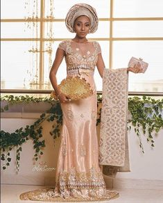 nigerian dress styles If you ever think that our native styles will go away then you are in a surprise with the Ankara skirt and blouse styles. There is so much we can achieve wit African Inspired Fashion, African Men Fashion, African Fashion Dresses, Ankara Fashion, African Women, African Beauty, Nigerian Traditional Wear, African Traditional Wedding, Traditional Weddings