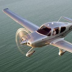 on Cirrus Aircraft… Cirrus Sr20, Airplane Painting, Small Airplanes, Airplane For Sale, Private Plane, Paint Schemes, Central Florida, Chopper, Landing