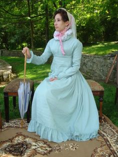 The Couture Courtesan's regency gown is simply sweet!