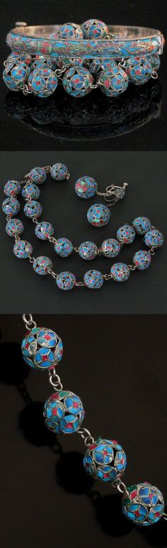 Chinese King Fisher Set. Consisting with a bangle, a necklace, a pair of earrings, late 19th century-early 20th century, China