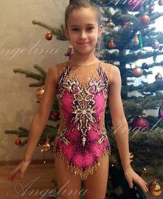 "143 Likes, 3 Comments - Angelina Radina RG Designer (@leotards_by_angelina) on Instagram: ""Купальник ""Glamour"" в стиле Davide для прелестной Софии из Минска.  Leotard ""Glamour"" for beatiful…"""