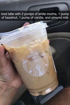 Starbucks Hacks, Comida Do Starbucks, Bebidas Do Starbucks, Healthy Starbucks Drinks, Starbucks Secret Menu Drinks, Iced Coffee Drinks, Coffee Drink Recipes, Starbucks Iced Coffee, Yummy Drinks