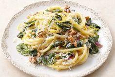 Spaghetti with spinach and mascarpone sauce