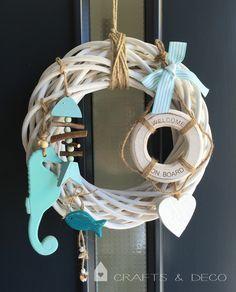 Türkränze - ♥ Welcome on Board-Türkranz ♥ Sommer - ein Designerstück von CraftsandDeco bei DaWanda Sea Glass Crafts, Seashell Crafts, Beach Crafts, Willow Wreath, Nautical Wreath, Valentines Day For Him, Felt Wreath, Home Fix, Decoupage Vintage