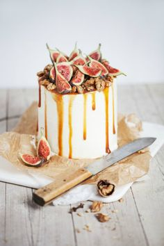Cake topped with figs