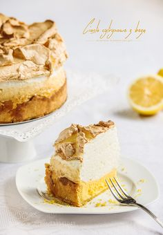 Lemon pie with meringue - Pinned by Mak Khalaf Food cakedeliciousdessertfoodsweet by Marek_Kaminski