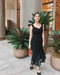 My look yesterday at the dinner for held in 💛 Dressy Attire, Dressy Outfits, Chic Outfits, Fashion Outfits, Fashion Trends, Heart Evangelista Style, Celebrity Style Casual, Future Fashion, Rich Girl