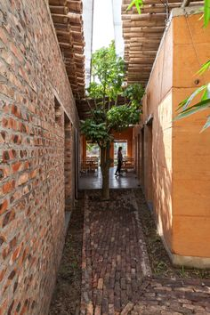 Image 1 of 33 from gallery of BE Friendly Space / H&P Architects. Photograph by Doan Thanh Ha