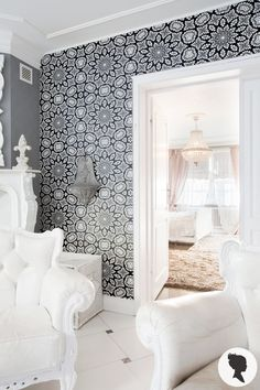 Bold & Chic self adhesive removable wallpaper! Add personalised charm to your room in just a few minutes! :)
