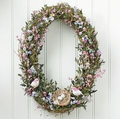 I love this wreath for spring.