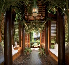 Welcome entrance.  Tropical  setting, the perfect bones for Safari-Bohemian  decor !!
