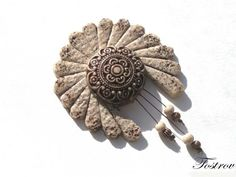"""Купить Брошь """"Принцесса Матоака"""" - брошь, этно, украшения, коричневый, белый, подарок, натуральные цвета"""