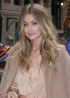 Gigi Hadid Photos - Celebrities Appear on 'Live! With Kelly and Michael' - Zimbio