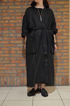 Linen long coat \166,000(CristaSeya),boatneck sweater \88,000(CristaSeya)