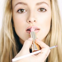 All you need to know for getting the perfect nude lips!