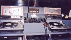 Las cabinas de DJ de los clubes más míticos del mundo | Thump