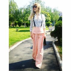 Yesterday in flared trousers 💗 Harem Pants, Trousers, Parachute Pants, Street Style, My Style, Instagram Posts, Pink, Outfits, Fashion