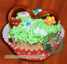 Cupcake cesta y flores - Basket and flowers cupcakes