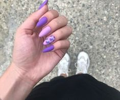 Semi-permanent varnish, false nails, patches: which manicure to choose? - My Nails Aycrlic Nails, Glitter Nails, Cute Nails, Pretty Nails, Hair And Nails, Summer Acrylic Nails, Best Acrylic Nails, Almond Acrylic Nails, Summer Nails