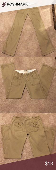 Hollister khakis jeans Hollister khakis jeans size 1S soft material 97% cotton 3% spandex Hollister Pants