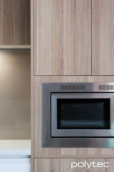 Polytec kitchen - Thermolaminated Dorrigo doors in Classic White Gloss, CREATEC drawers in New Ultra White Gloss. Contemporary Style Kitchen, Timber, Dark Wooden Floor, Contemporary Kitchen Design, Contemporary Kitchen, Kitchen Styling, Timber Kitchen, Kitchen Photos, Small U Shaped Kitchens