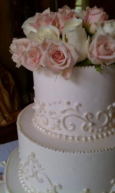 Ambrosia Bakery—I love the pearlescent details against the flat buttercream