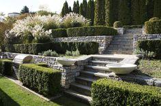 Garden Design: Robin Kramer and Leslie Cohen    Photo Credit: Rayon Richards, Wall Street Journal