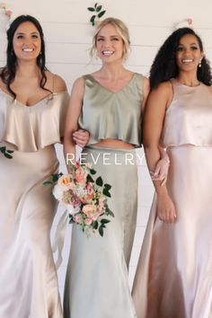 Bridesmaids Gowns With Sleeves, Unique Bridesmaid Dresses, Bridesmaid Outfit, Wedding Dresses, Wedding Looks, Bridal Looks, Dream Wedding, Wedding Types, Wedding Ideas