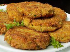 Cuketové karbanátky s Hermelínem Zucchini, A Food, Food And Drink, Pumpkin Squash, Brunch, Modern Food, Main Meals, Tandoori Chicken, Salmon Burgers