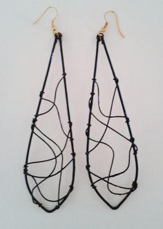 Brinco desenvolvido para a coleção Raízes da designer Iáskara Isadora.